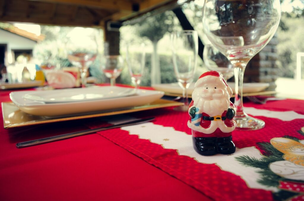 Christmas dining table accessories